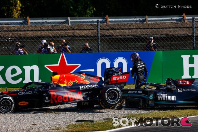 Wolff acusa a Verstappen de chocar a Hamilton a propósito - SoyMotor.com