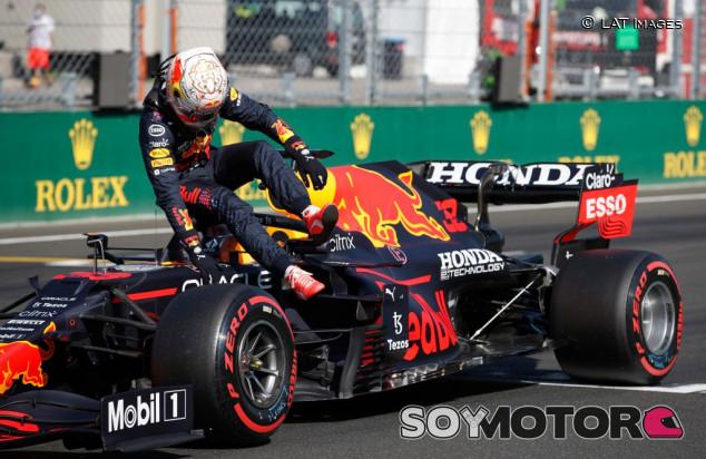 """Verstappen no se rinde: """"Salir con blandos nos dará una oportunidad"""" - SoyMotor.com"""