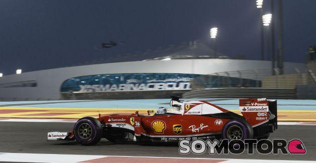 Vettel en el trazado de Yas Marina - LaF1