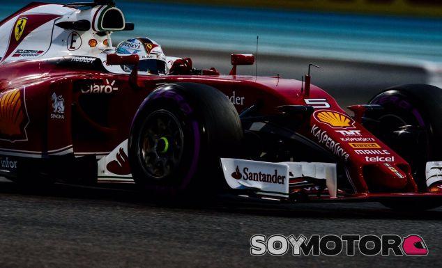 Vettel durante la carrera en Abu Dabi - LaF1