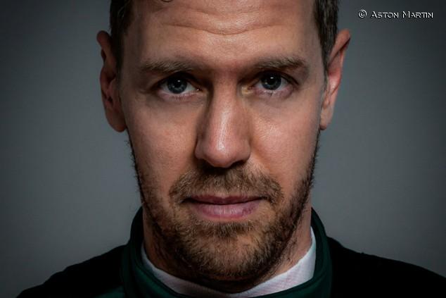 Primera visita de Vettel a la fábrica de Aston Martin - SoyMotor.com
