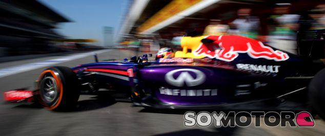 """Vettel reconoce que """"algo iba mal"""" con el chasis original de 2014"""