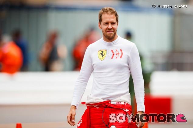 """Vettel anuncia su continuidad en Ferrari: """"Me quedo"""" - SoyMotor.com"""
