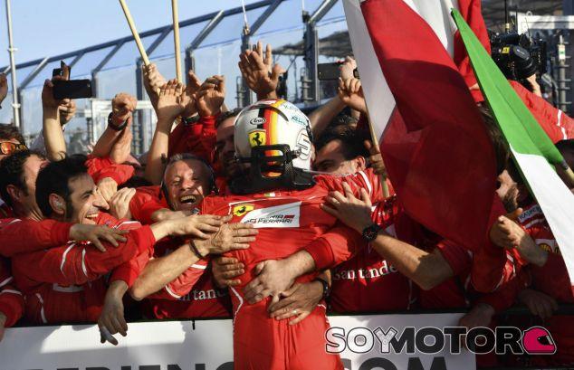 """Vettel: """"Ha sido una recompensa, un gran alivio para todos"""" - SoyMotor"""