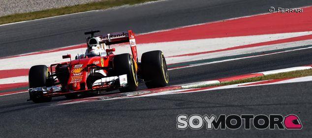 Sebastian Vettel en los test de Barcelona - LaF1
