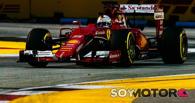 Sebastian Vettel en la noche de Singapur - LaF1