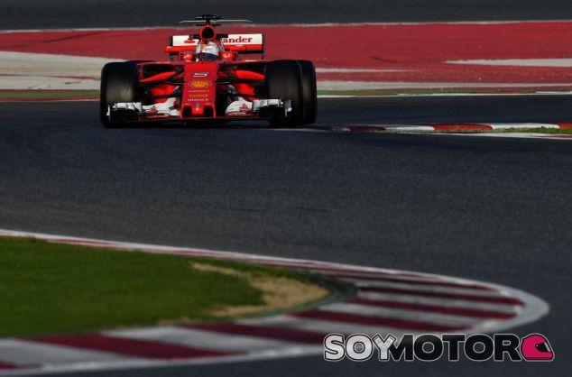 Vettel en los tests de pretemporada - SoyMotor