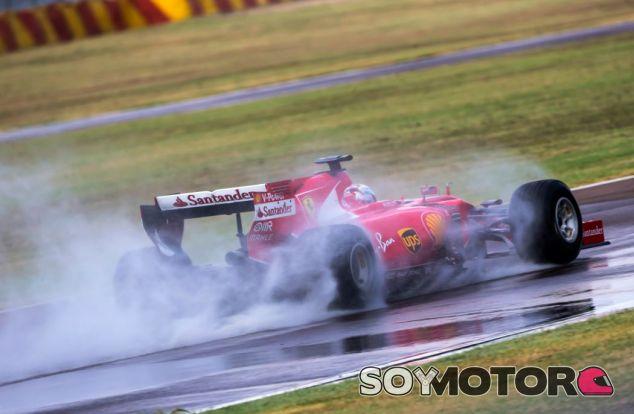 Vettel en un test en Fiorano con los neumáticos de lluvia de 2017 - SoyMotor