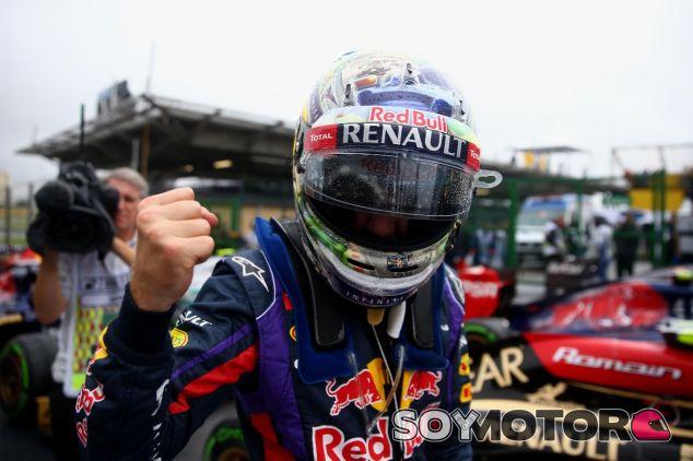 Sebastian Vettel en el parc fermé de Brasil - LaF1