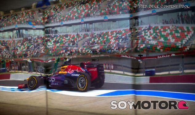 Sebastian Vettel en el pit lane de Buddh - LaF1