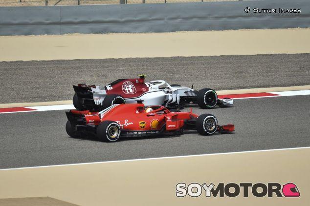 Sebastian Vettel y Charles Leclerc - SoyMotor.com