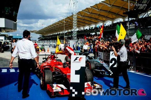 La estrategia le funcionó a Ferrari y a Vettel para ganar en Sepang - LaF1