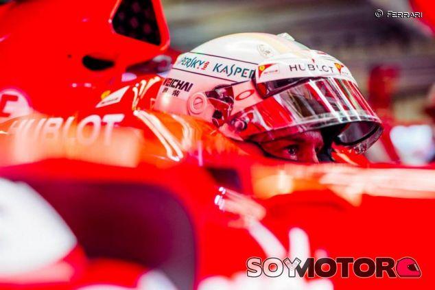 Sebastian Vettel subido en el SF15-T - LaF1
