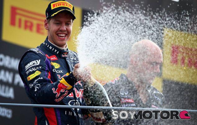 Sebatian Vettel celebra su victoria en Monza - LaF1