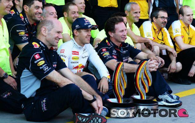 Adrian Newey pone fin a los rumores sobre su marcha a Ferrari - LaF1.es