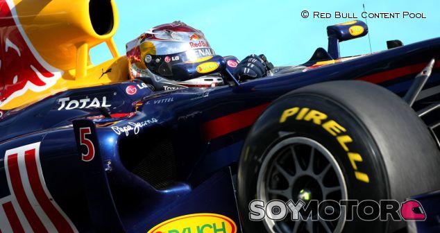 Vettelen los test de Pirelli en 2010 en Abu Dabi - LaF1