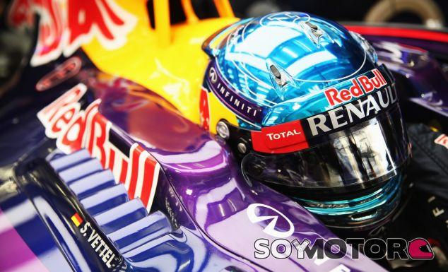 Sebastian Vettel en el interior del RB10 - LaF1