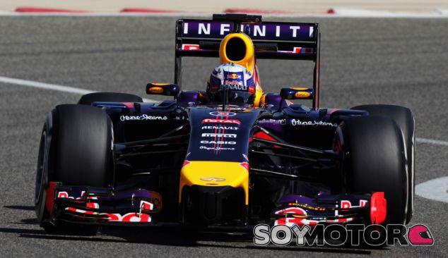 Daniel Ricciardo durante los test de Baréin - LaF1