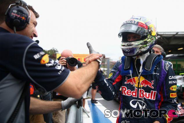 Sebastian Vettel en Brasil tras marcar la Pole Position - LaF1