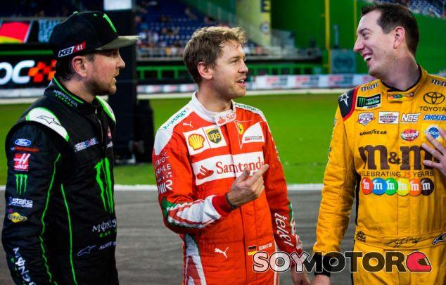 Sebastian Vettel con Kurt y Kyle Busch, los otros finalistas - SoyMotor