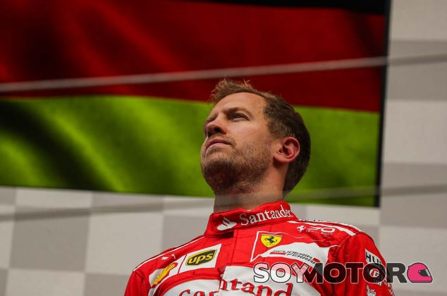 Sebastian Vettel en el podio de Spa - SoyMotor.com