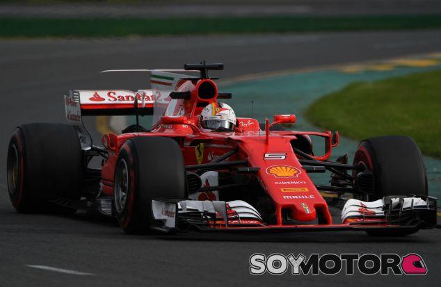 Vettel manda en los Libres 3 con 0,4 segundos sobre los Mercedes - SoyMotor