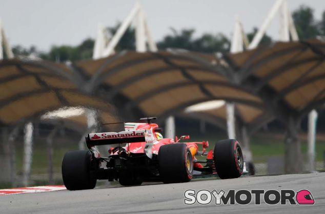 Sebastian Vettel en Sepang - SoyMotor.com
