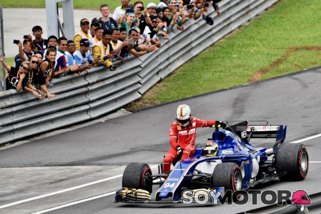 Vettel subido al C36 de Wehrlein tras el choque con Stroll - SoyMotor.com