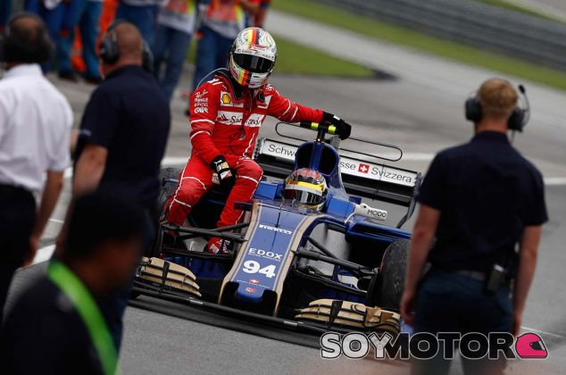 Sebastian Vettel en el C36 de Pascal Wehrlein - SoyMotor.com