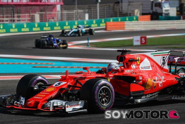 Sebastian Vettel en Yas Marina - SoyMotor.com