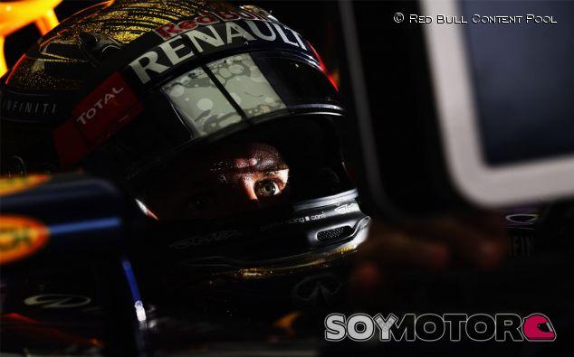 """Fernando Alonso felicita a Sebastian Vettel: """"Este año luchamos contra él"""""""