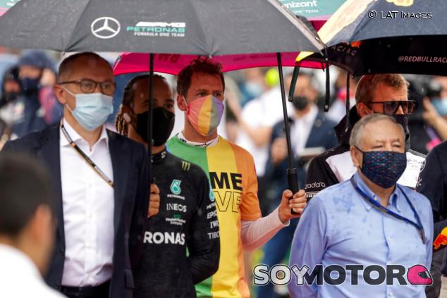 """Vettel vuelve a arremeter contra el calendario: """"La F1 debería difundir igualdad"""" - SoyMotor.com"""