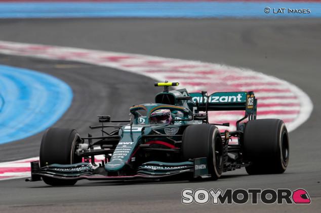 """Aston Martin pide que no se les acuse por las presiones de neumáticos: """"Es frustrante"""" - SoyMotor.com"""