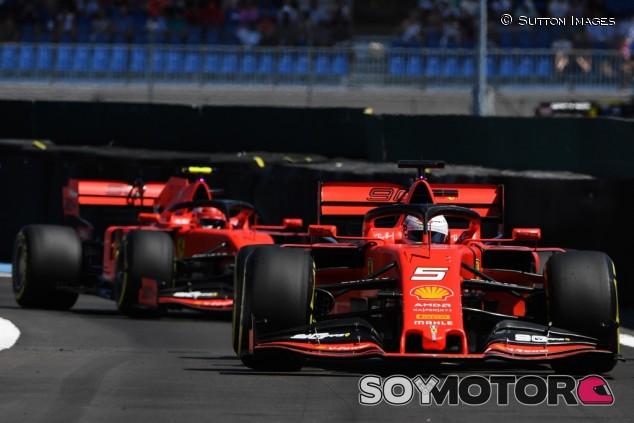"""Vettel no ve en desventaja con Leclerc: """"Tendremos las mismas armas"""" - SoyMotor.com"""