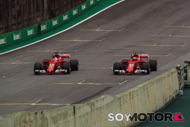 Los pilotos de Ferrari en la recta de Interlagos – SoyMotor.com