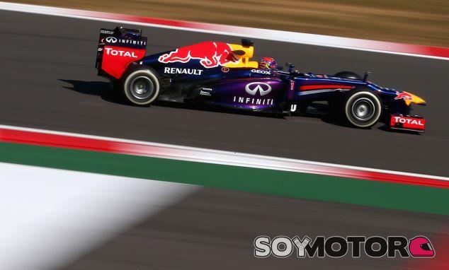 Sebastian Vettel, ganador del GP de Corea, con el RB9 - LaF1