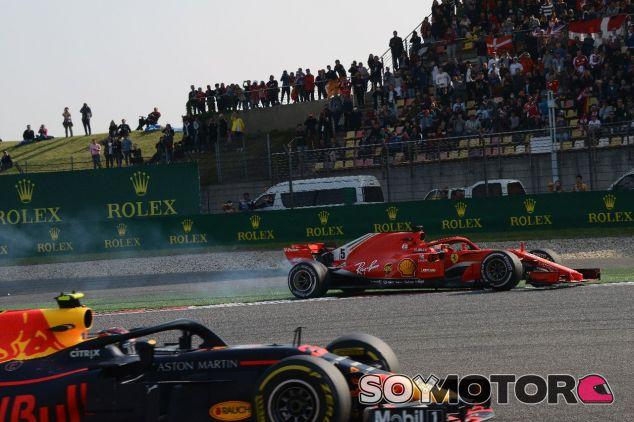 Max Verstappen y Sebastian Vettel tras su colisión en Shanghái – SoyMotor.com