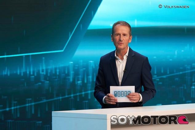 Herbert Diess durante el Volkswagen Power Day - SoyMotor.com
