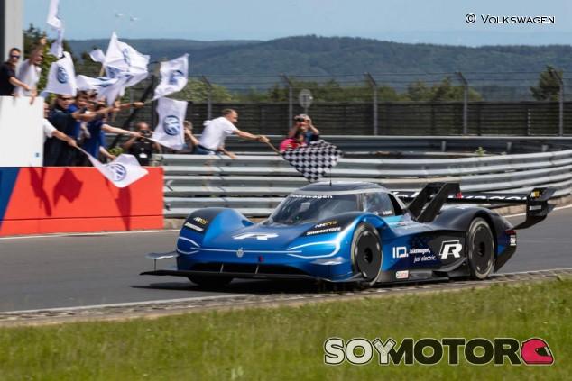 El Volkswagen ID.R bate el récord de Nürburgring de coches eléctricos - SoyMotor.com