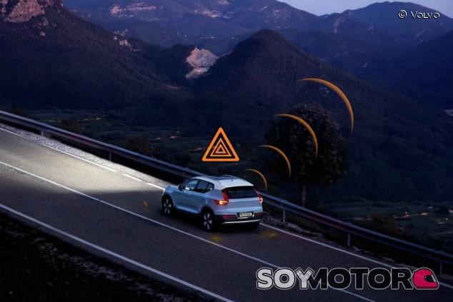 BMW, Daimler, Ford y Volvo, de la mano para salvar vidas en la carretera - SoyMotor.com