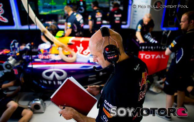 Adrian Newey en el box de Red Bull, durante el pasado GP de Australia - LaF1