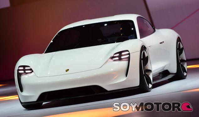 El Porsche Mission E durante su presentación oficial - SoyMotor