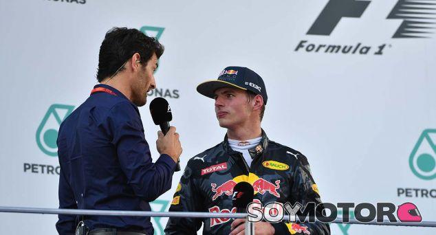 Los problemas harán mejorar a Verstappen, según Webber - SoyMotor.com