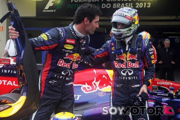 Mark Webber y Sebastian Vettel en una imagen de archivo de 2013 - LaF1