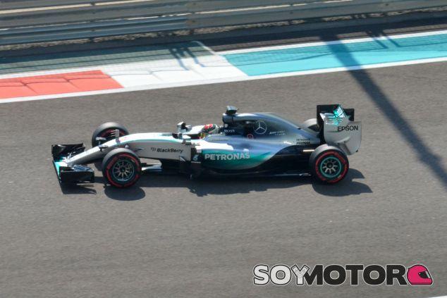 Wehrlein, durante el test de Pirelli en Abu Dabi - LaF1