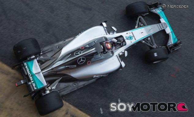 Pascal Wehrlein con los neumáticos 2017 - SoyMotor