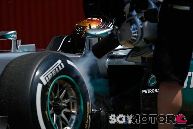 Pascal Wehrlein con el W07 en Barcelona - SoyMotor.com