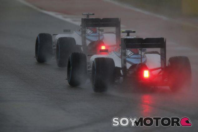 Los Williams padecieron más que ninguno un pronunciado bache del circuito de Austin - LaF1