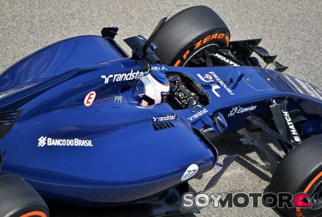 Valtteri Bottas en el (aún) azul Williams FW36, en Baréin - LaF1