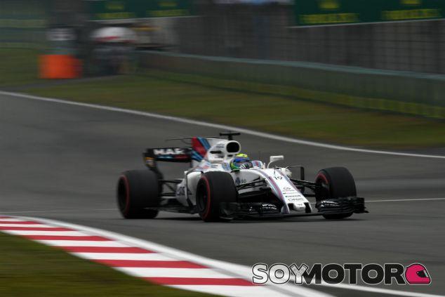Paddy Lowe lamenta la estrategia de Williams en China